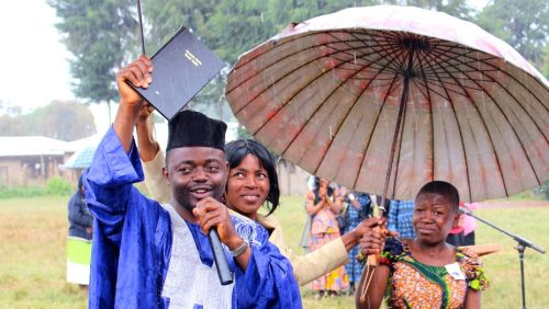Celebrating the arrival of the Oku New Testament